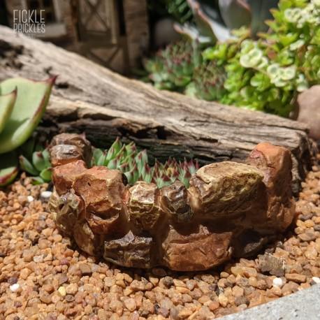 Mini Curved Stone Wall